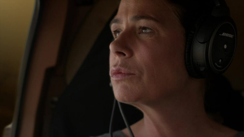 Bose Aviation Headset Used by Maura Tierney as Helen Butler in The Affair (4)