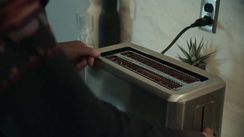 Breville Toaster in Get Shorty Season 3 Episode 3 Strong Move