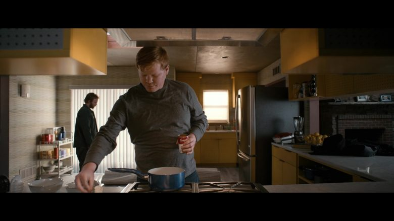 Campbell's Tomato Soup Held by Jesse Plemons as Todd in El Camino: A Breaking Bad Movie (2019) - Movie Product Placement