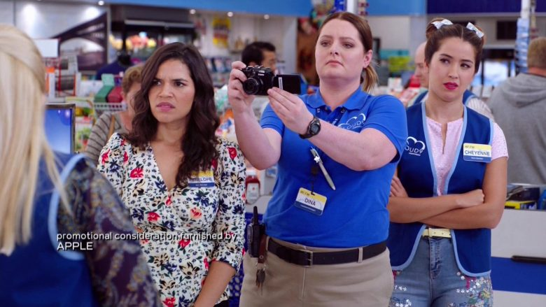 "Canon Camera Used by Lauren Ash as Dina in Superstore Season 5 Episode 4 ""Mall Closing"" (2019) - TV Show Product Placement"
