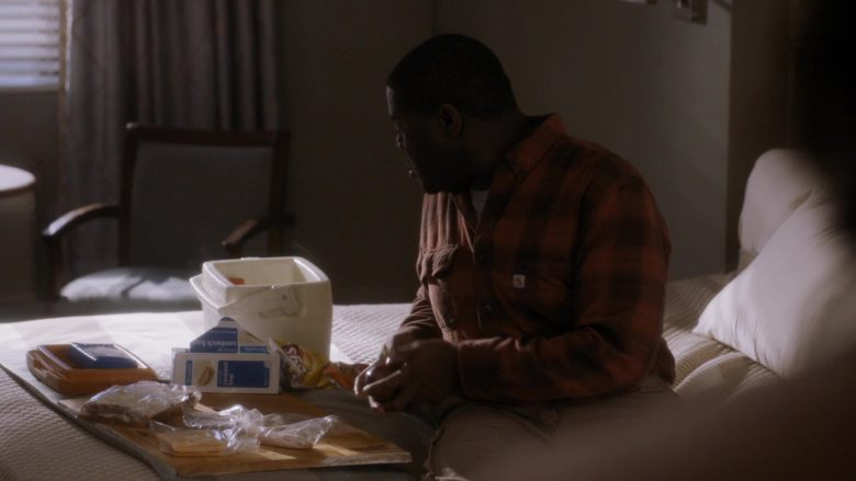 Carhartt Plaid Shirt and Lay's Chips in Room 104 Season 3 Episode 5