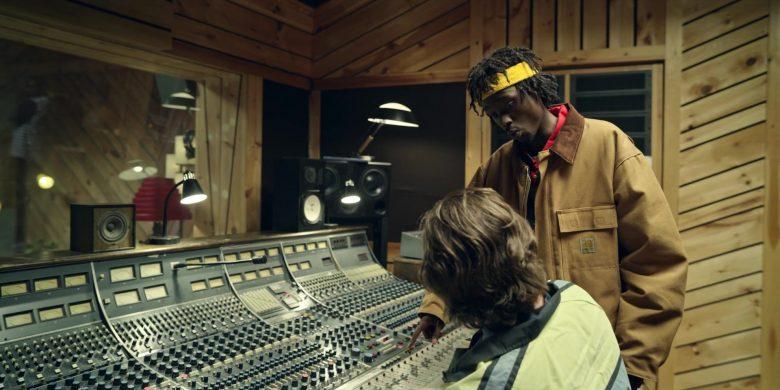 Carhartt Yellow Jacket Worn by Ashton Sanders as Bobby Diggs in Wu-Tang An American Saga Season 1 Episode 8 (7)