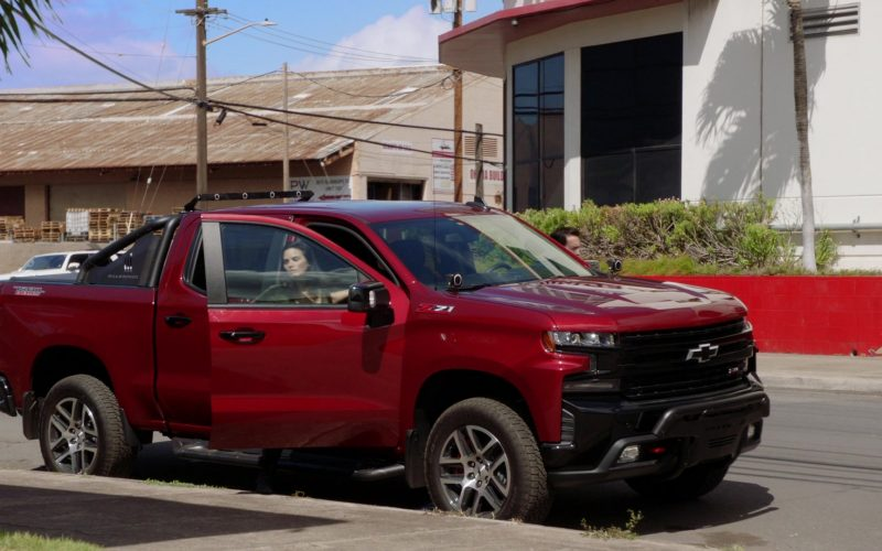 Chevrolet Silverado Red Car in Hawaii Five-0 Season 10 Episode 3 (2)