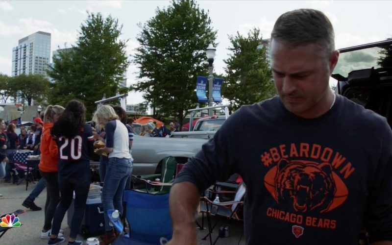 Chicago Bears Outfits in Chicago Fire (1)