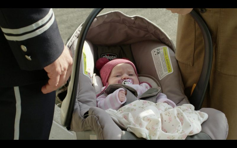 Chicco Baby Car Seat in Modern Love Season 1 Episode 1 (2)