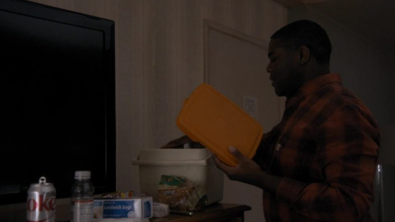 """Diet Coke Can in Room 104 Season 3 Episode 5 """"Drywall Guys"""" (2019) - TV Show Product Placement"""