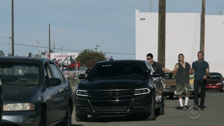 Dodge Charger Cars in S.W.A.T. Season 3 Episode 3 Funny Money (1)