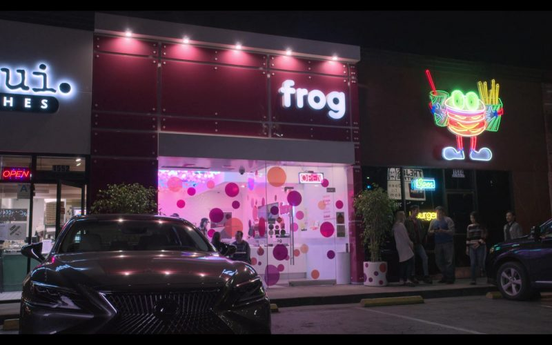 FROG Hollywood Frozen Yogurt Bar in The Kominsky Method Season 2 Episode 6 Chapter 14 (1)