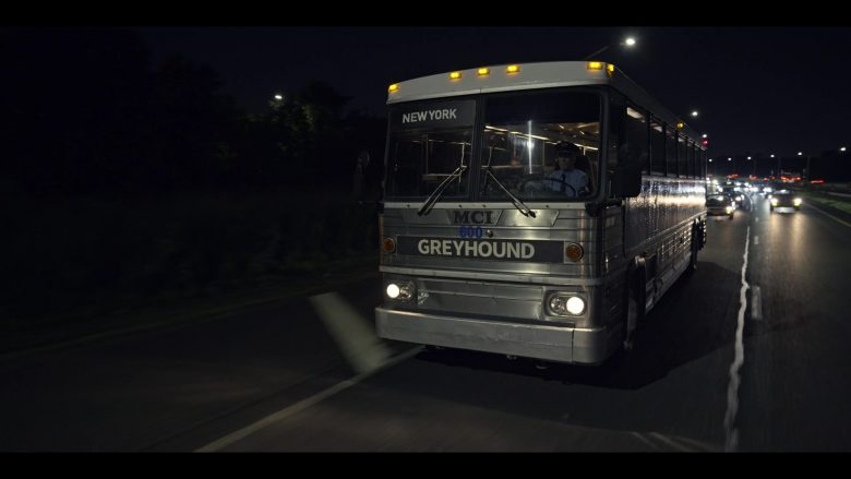 "Greyhound Bus in Wu-Tang: An American Saga Season 1 Episode 10 ""Assassination Day"" (2019) - TV Show Product Placement"