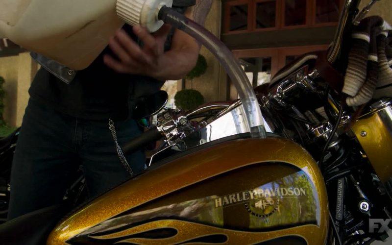 Harley-Davidson Motorcycle in Mayans M.C. Season 2 Episode 8 Kukulkan