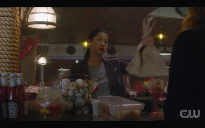 Heinz Ketchup in Nancy Drew Season 1 Episode 2