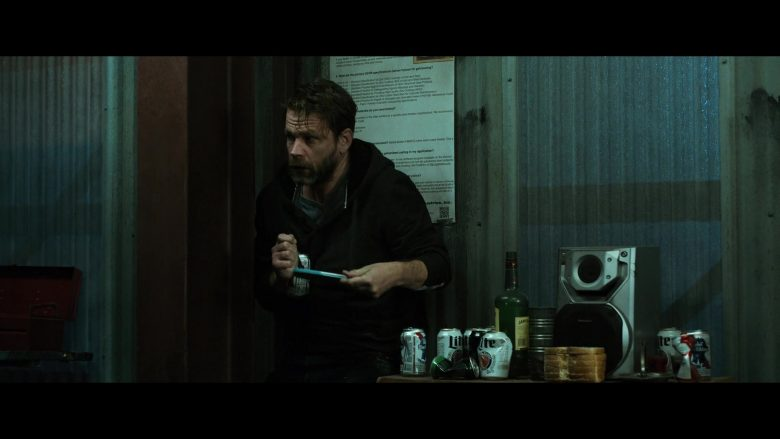Jameson Whiskey, Pabst and Lite Beer in El Camino A Breaking Bad Movie (2)