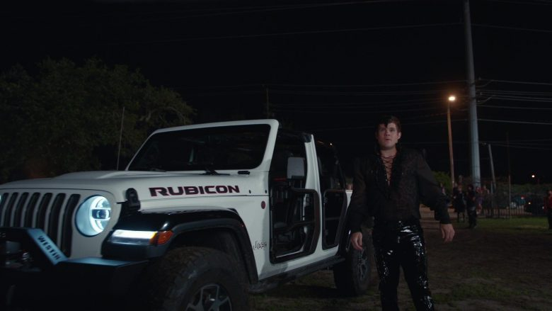 Jeep Rubicon White Car Used by Adam DeVine as Kelvin Gemstone in The Righteous Gemstones Season 1 Episode 9 (2)