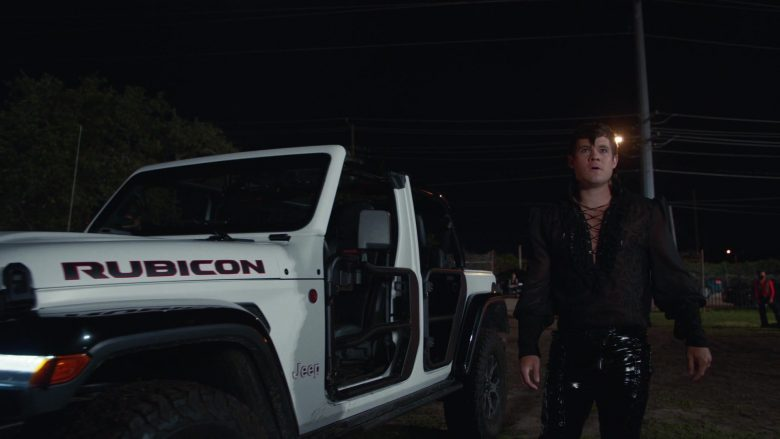 Jeep Rubicon White Car Used by Adam DeVine as Kelvin Gemstone in The Righteous Gemstones Season 1 Episode 9 (3)