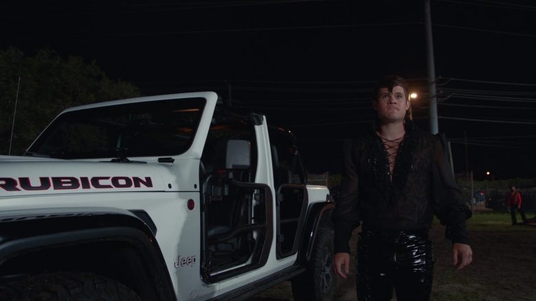 Jeep Rubicon White Car Used by Adam DeVine as Kelvin Gemstone in The Righteous Gemstones Season 1 Episode 9 (4)