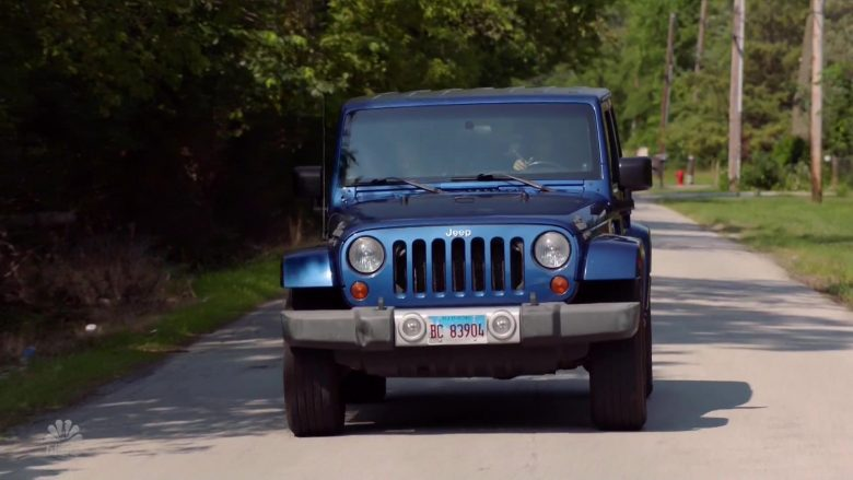 Jeep Wrangler Blue Car in Chicago Fire (1)