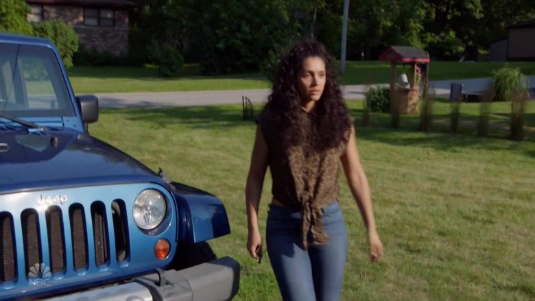 Jeep Wrangler Blue Car in Chicago Fire (4)