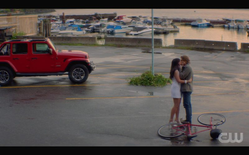 Jeep Wrangler Red Car in Nancy Drew Season 1 Episode 4 The Haunted Ring (2019)