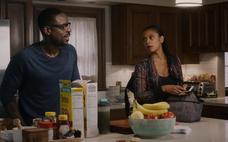 Kellogg's Corn Flakes and Cheerios Cereal by General Mills in This Is Us Season 4 Episode 5 (5)