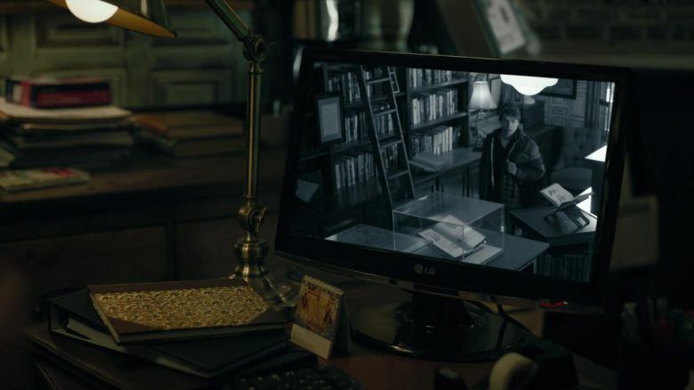 LG Monitor in Mr. Mercedes (1)