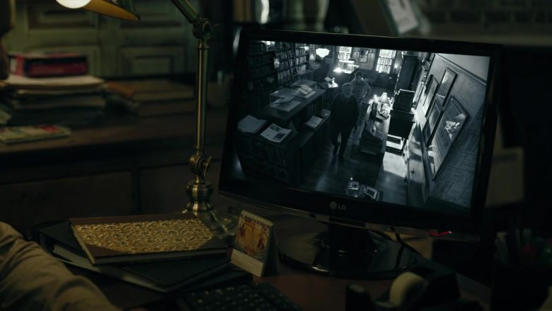 LG Monitor in Mr. Mercedes (2)