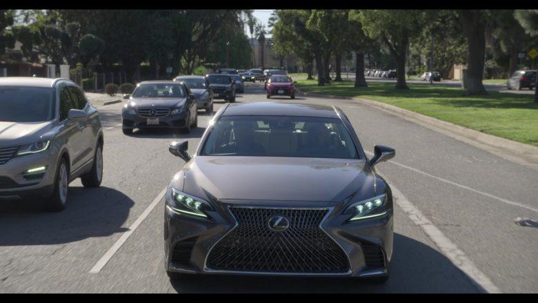 Lexus Car Used by Alan Arkin as Norman Newlander in The Kominsky Method Season 2 Episode 6 Chapter 14 (1)