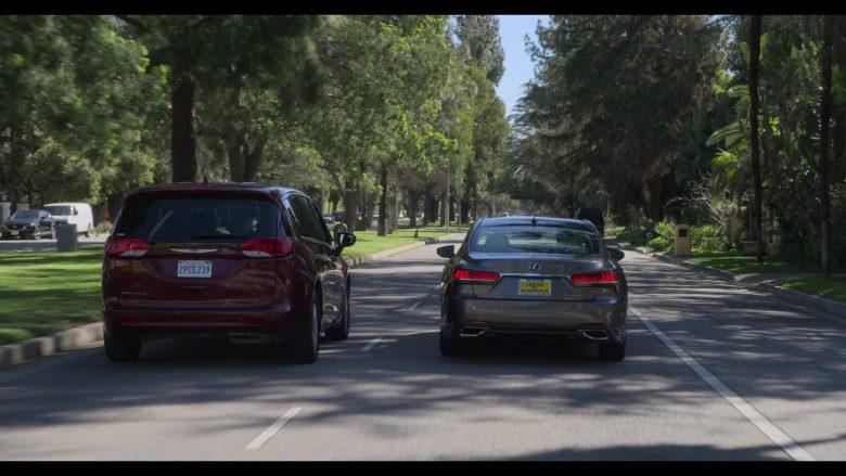Lexus Car Used by Alan Arkin as Norman Newlander in The Kominsky Method Season 2 Episode 6 Chapter 14 (3)