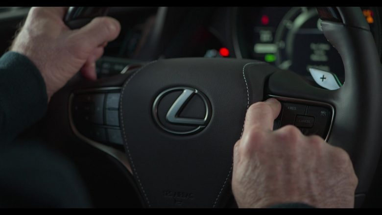Lexus Car Used by Alan Arkin as Norman Newlander in The Kominsky Method Season 2 Episode 6 Chapter 14 (7)
