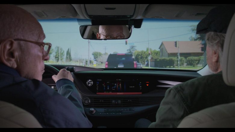 Lexus Car Used by Alan Arkin as Norman Newlander in The Kominsky Method Season 2 Episode 6 Chapter 14 (8)