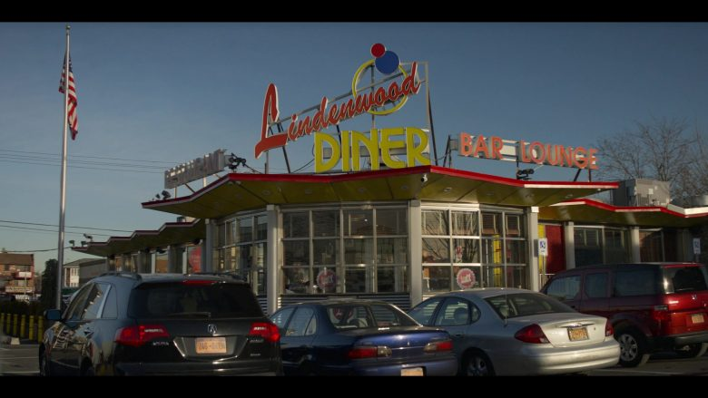 """Lindenwood Diner Restaurant in Living with Yourself Season 1 Episode 2 """"Made in a Strip Mall"""" (2019) - TV Show Product Placement"""