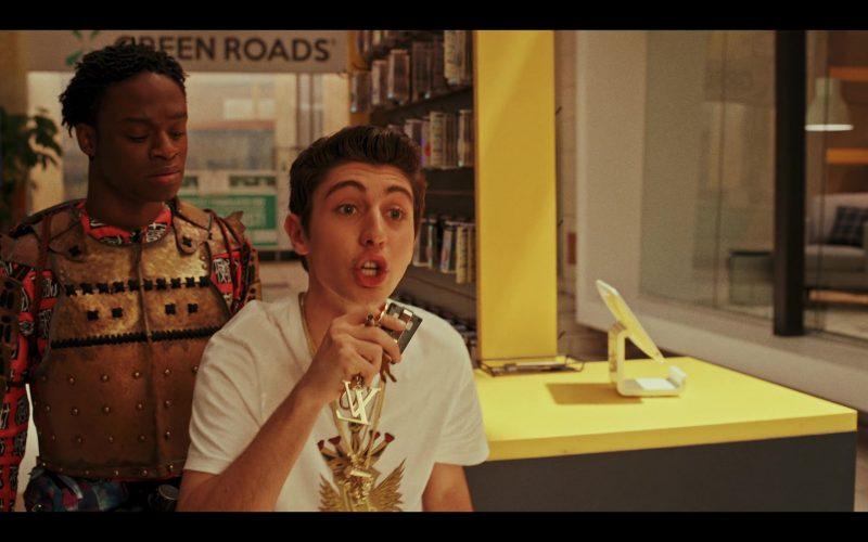 Louis Vuitton Gold Necklace Worn by Gregory Kasyan as Eli Cardashyan in Daybreak Season 1 Episode 2
