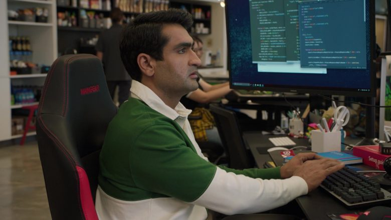 Maingear Chair Used by Kumail Nanjiani as Dinesh Chugtai in Silicon Valley Season 6 Episode 1 (2)