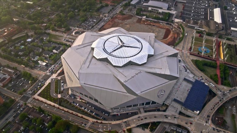 """Mercedes-Benz Stadium in Ballers Season 5 Episode 8 """"Players Only"""" (2019) - TV Show Product Placement"""