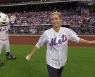 Mets Shirt Worn by Téa Leoni as Elizabeth 'Bess' Adams McCord in Madam Secretary Season 6 Episode 2 (6)