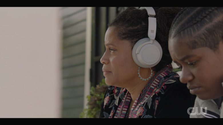 Microsoft Surface Headphones in All American Season 2 Episode 2 (2)