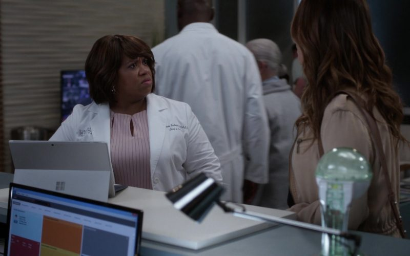 Microsoft Surface Tablet Used by Chandra Wilson as Miranda Bailey in Grey's Anatomy (1)