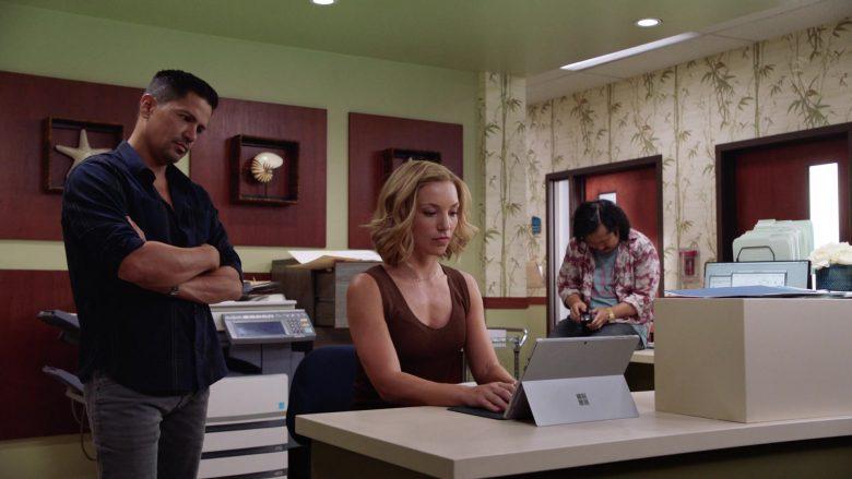 Microsoft Surface Tablet Used by Perdita Weeks as Juliet Higgins in Magnum P.I (2)