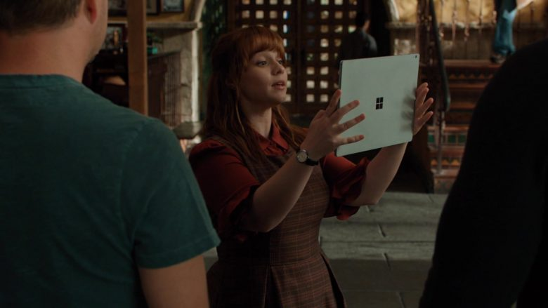 """Microsoft Surface Tablet Used by Renée Felice Smith as Nell Jones in NCIS: Los Angeles Season 11 Episode 5 """"Provenance"""" (2019) - TV Show Product Placement"""