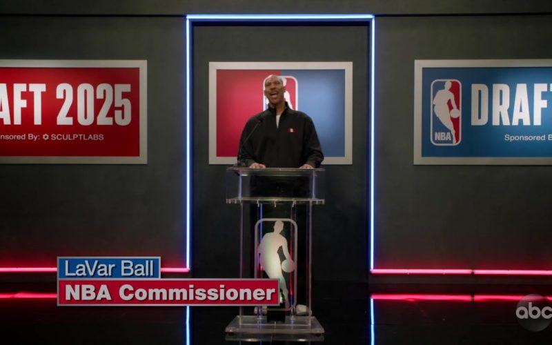 NBA in Black-ish Season 6 Episode 4