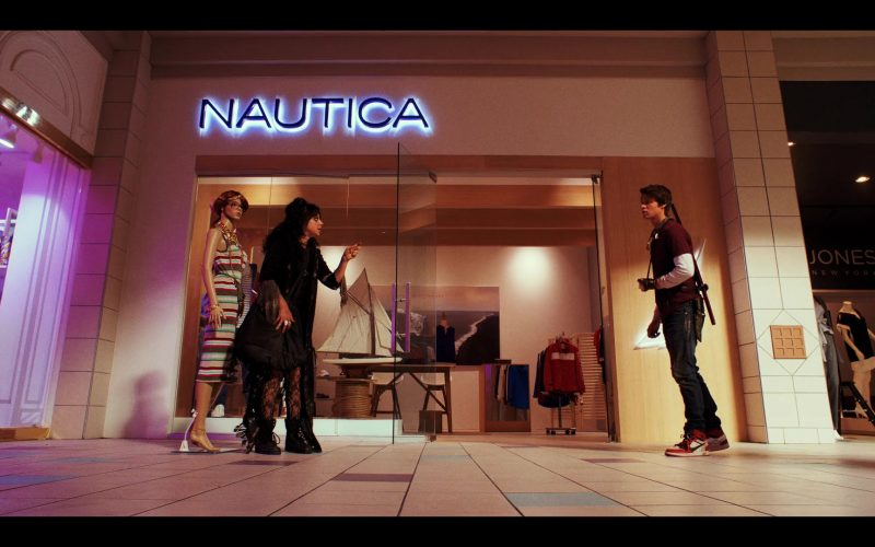 Nautica Fashion Store in Daybreak Season 1 Episode 7 Canta Tu Vida