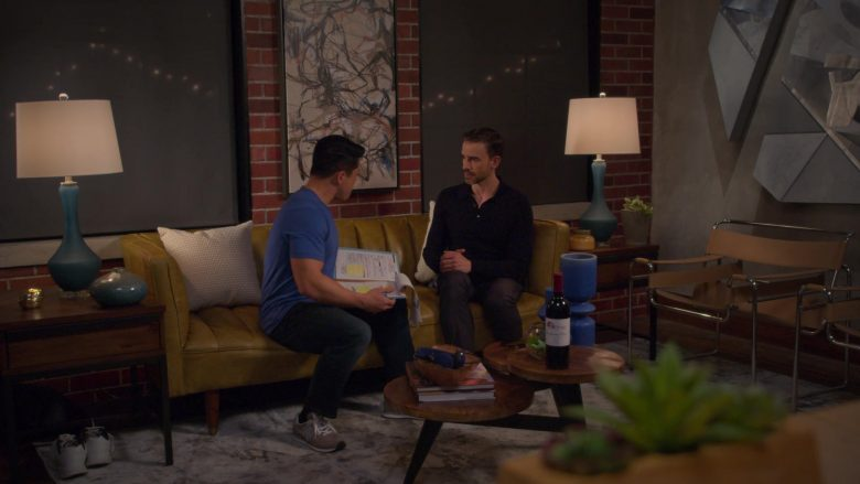 "New Balance Men's Sneakers in Insatiable Season 2 Episode 6 ""Eat and Run"" (2019) - TV Show Product Placement"
