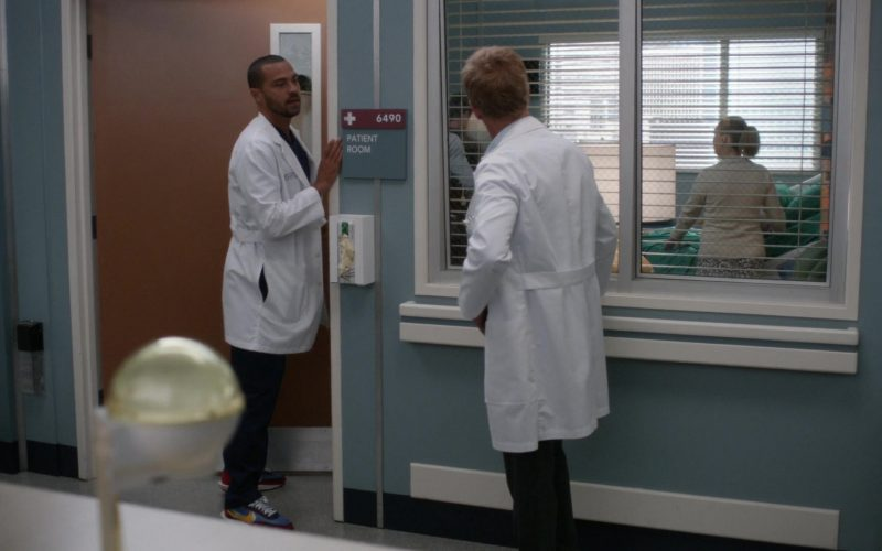 Nike Men's Sneakers in Grey's Anatomy Season 16 Episode 4 It's Raining Men (2019)