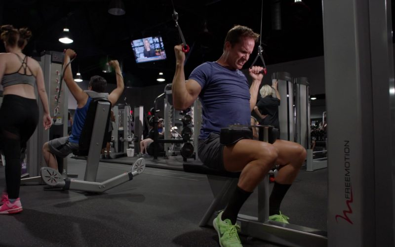 Nike Neon Green Shoes in 9-1-1 Season 3 Episode 4 Triggers (1)