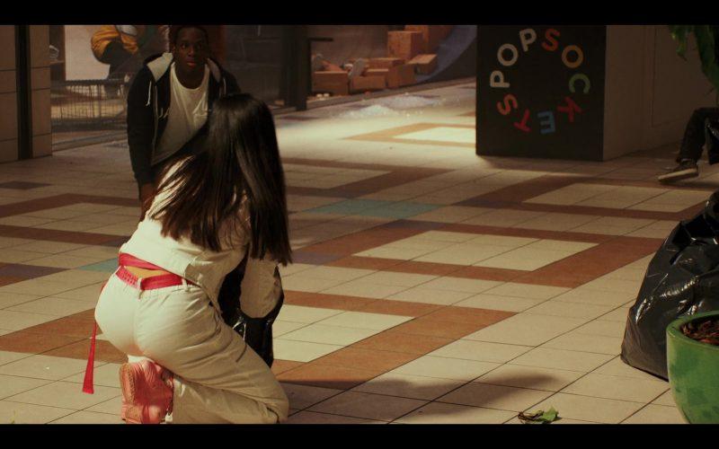 PopSockets in Daybreak Season 1 Episode 10