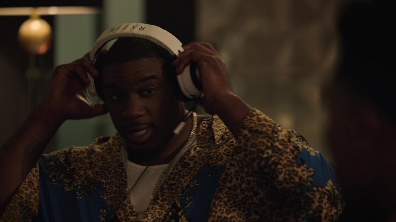 Razer Gaming Headset Used by Donovan W. Carter as Vernon Littlefield in Ballers (2)