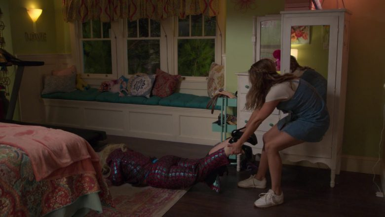 """Reebok Sneakers Worn by Debby Ryan as Patricia 'Patty' Bladell in Insatiable Season 2 Episode 10 """"The Most You You Can Be"""" (2019) - TV Show Product Placement"""