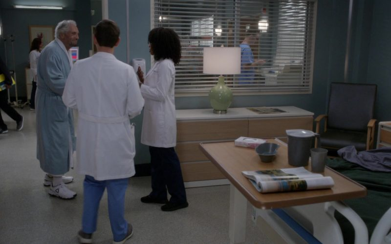 Reebok Sneakers in Grey's Anatomy Season 16 Episode 3 Reunited