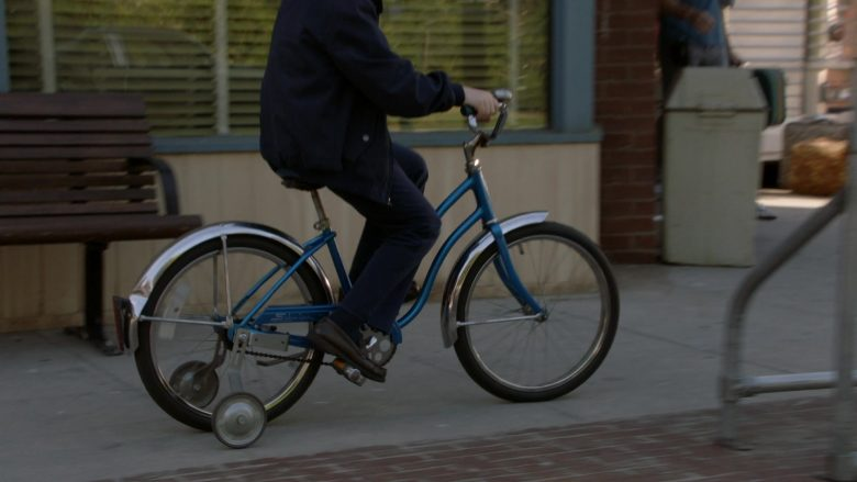 Schwinn Bantam Blue Bicycle Used by Iain Armitage as Sheldon Cooper in Young Sheldon Season 3 Episode 3 (3)