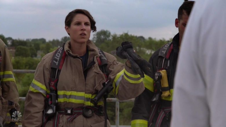 """Scott in Chicago Fire Season 8 Episode 5 """"Buckle Up"""" (2019) - TV Show Product Placement"""