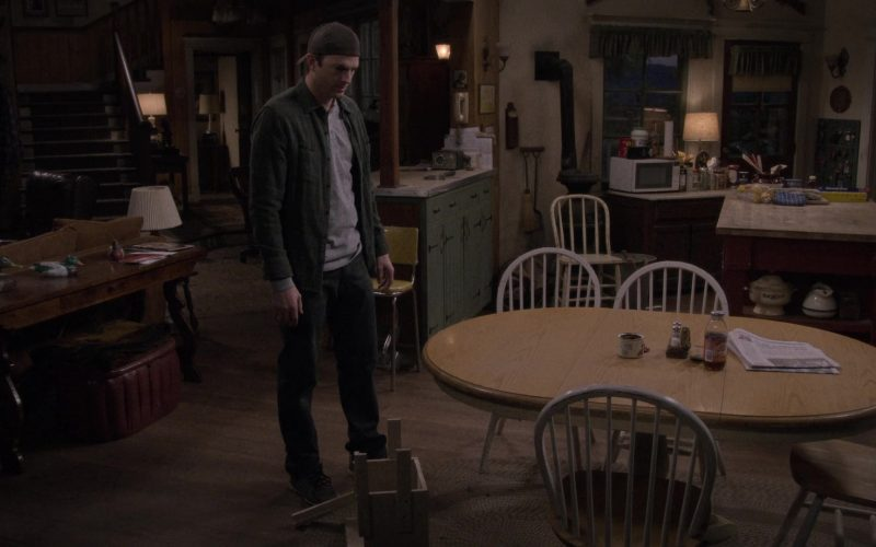 """Snapple Drink in The Ranch Season 4 Episode 10 """"Perfect Storm"""" (1)"""